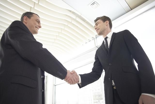 商社・問屋と営業タイアップ 中小メーカーの顧客獲得戦略