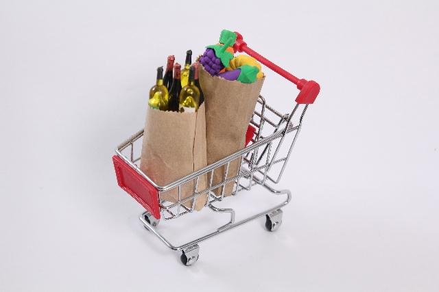 飲食、スーパーマーケット、サービス業の深刻な人出不足