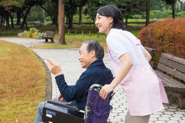 介護職員の定着率向上に三幸福祉カレッジと東京未来大学モチベーション研究所がタッグ