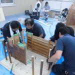 介護リフォーム事業者の力で高齢者に元気を! 手すり部材のみで天守閣の模型を製作、 敬老の日に神奈川県の高齢者グループホームに贈呈